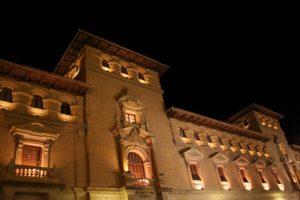 Iluminación edificio Huesca